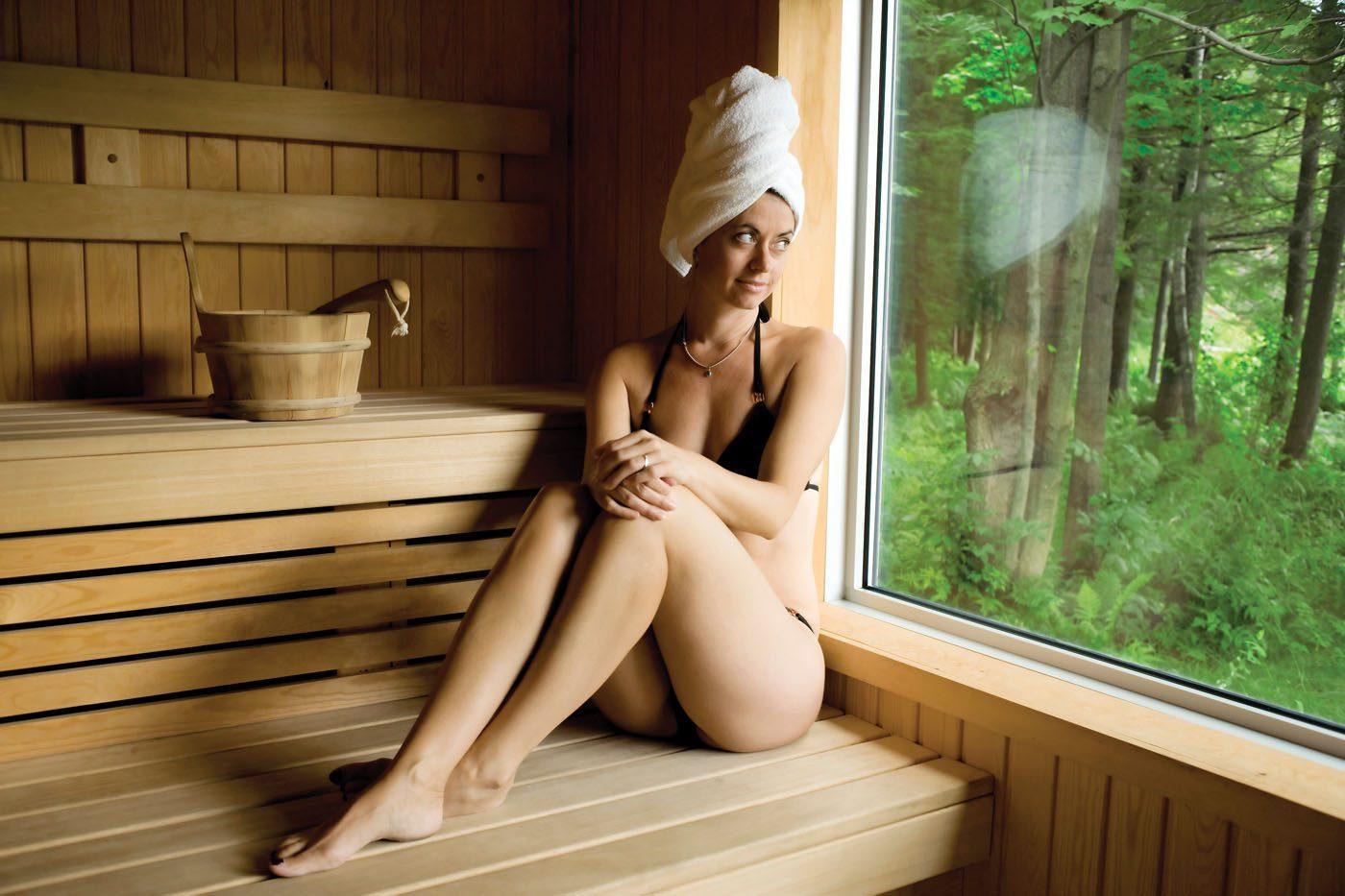 наверное уже как девушка моется в бане здесь картинки