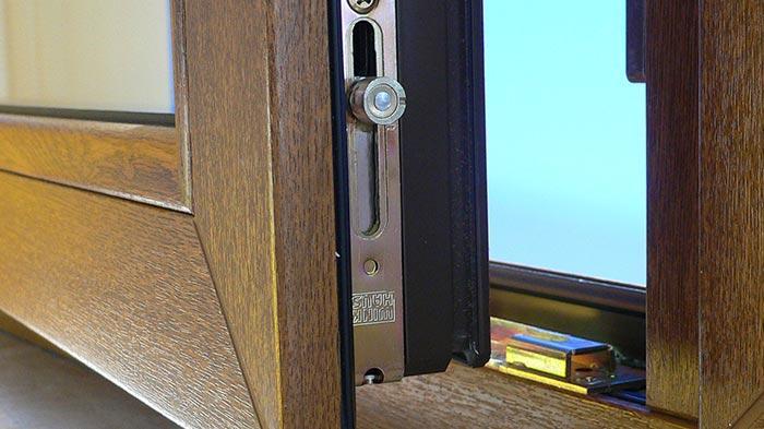 Открытое окно Rehau